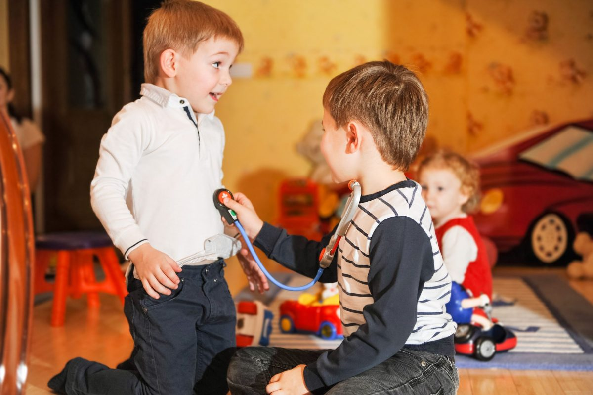 kids playing doctor, pretend play, imagination games for kids